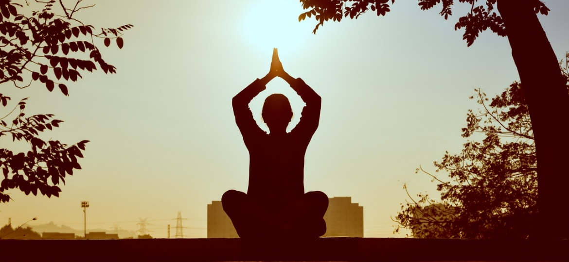 backlit-meditating-meditation-1051838